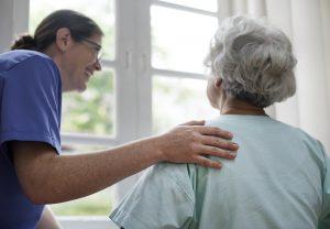 Ketahui 5 Cara Merawat Orang Tua yang Sudah Lanjut Usia sebagai Bentuk Pengabdian
