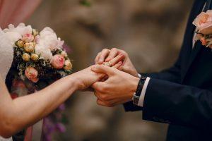 Hukum dan Fadilah Menikah